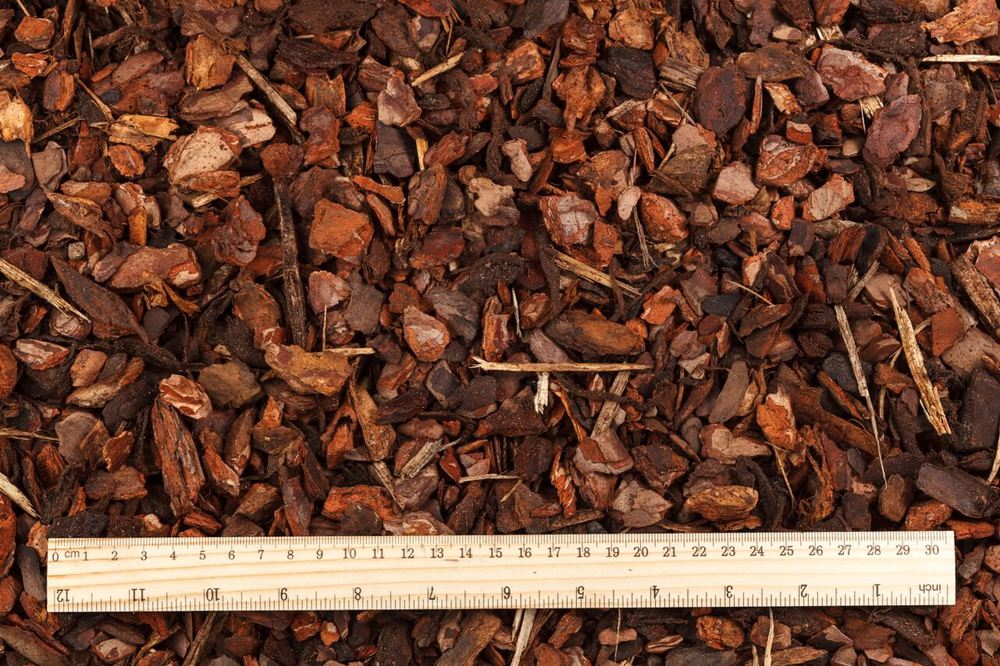 PINE BARK MULCH – MEDIUM FRACTION (1ST SORT)