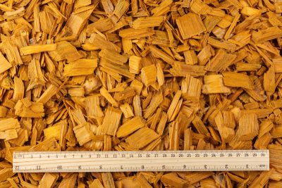 Colored wood chips mulch (20–40mm) – (YELLOW)