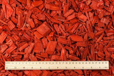Colored wood chips mulch (20–40mm) – (RED)